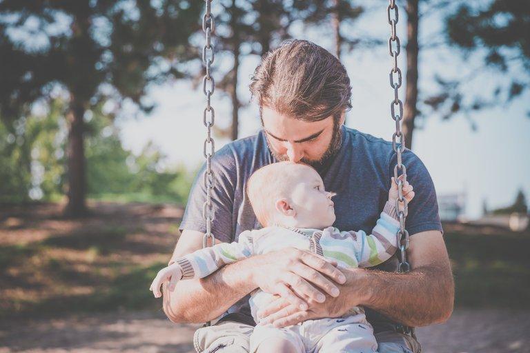 postpartum-dad-photo-master768